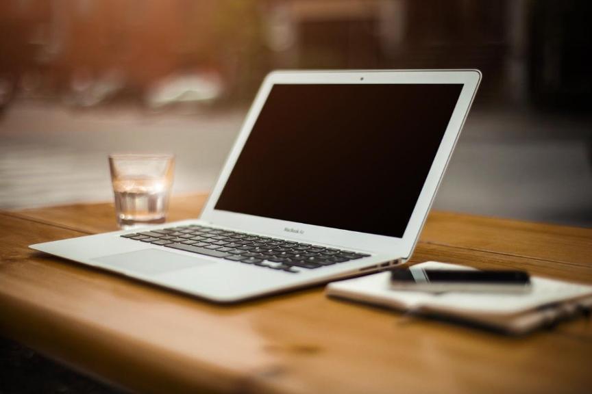 Hybrid Meetings Computer